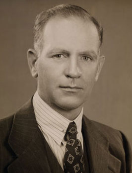 Photo of Gordon Gray