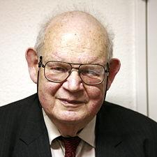 Famed Mathematician Benoit Mandelbrot