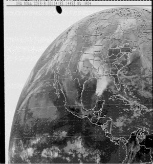 Flying Saucer flies over the United States